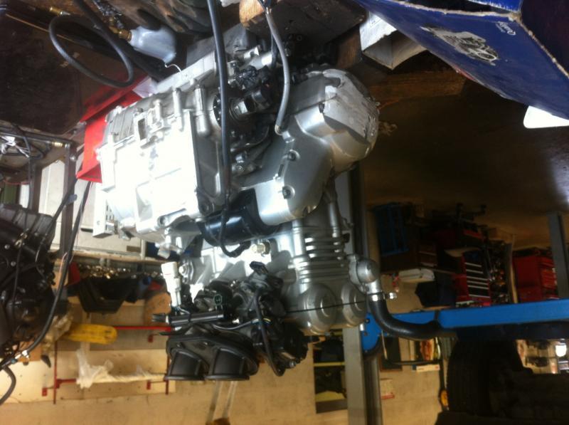 moteur er6 gris support moteur hs jamais de kart cross annnonce 129932 sur www parc. Black Bedroom Furniture Sets. Home Design Ideas