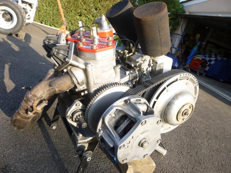 moteur 600 2 temps polaris variateur 125 cv pour kart cross annnonce 134712 sur www parc. Black Bedroom Furniture Sets. Home Design Ideas