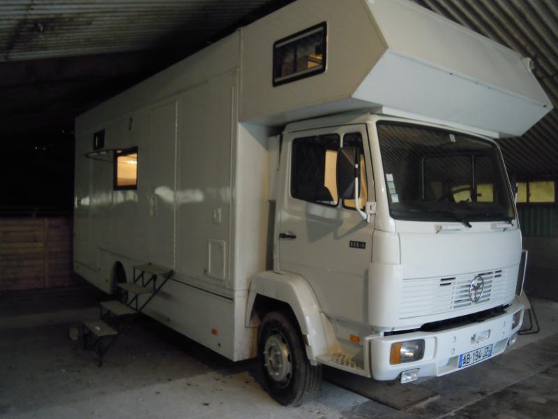 camion mercedes 1114 camping car atelier moto annnonce 145574 sur www parc. Black Bedroom Furniture Sets. Home Design Ideas