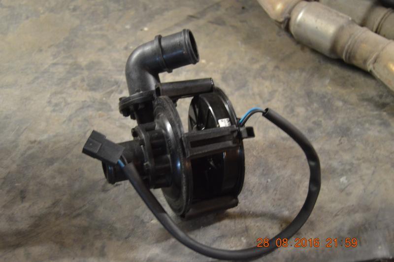 Pompe a eau exterieur 12 v annnonce 149710 sur www parc for Pompe a eau exterieur